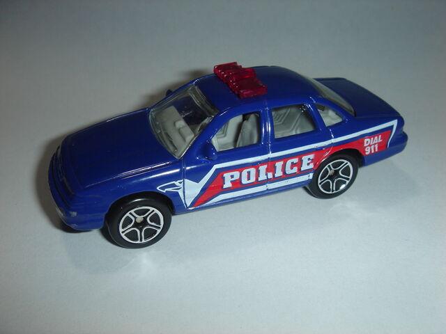 File:MBX Ford Crown Victoria (2).jpg