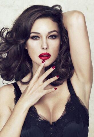 File:Monica Bellucci Dolce and Gabbana.jpg