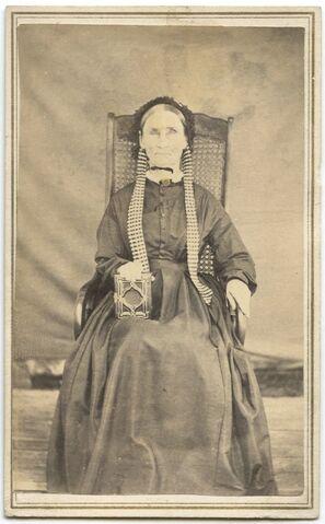 File:CreepyLady 1860.jpg