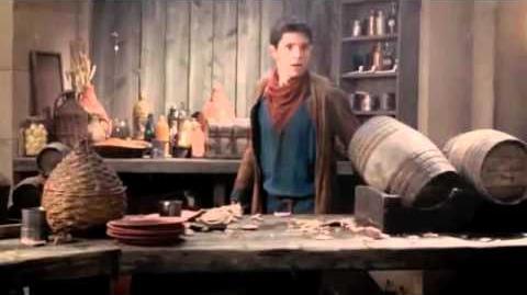 """""""Bar Fight"""" an introduction to Gwaine Merlin S03E04 """"Gwaine"""""""