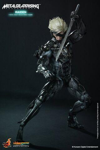 File:Hot-Toys-Metal-Gear-Rising-Revengeance-Raiden-003.jpg