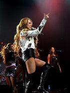 Miley-cyrus-1334891037