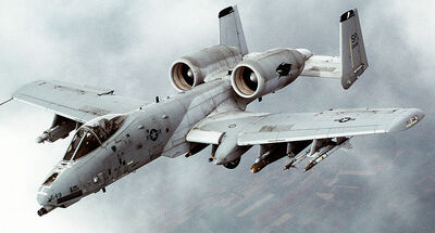 800px-A-10 Thunderbolt II In-flight-2