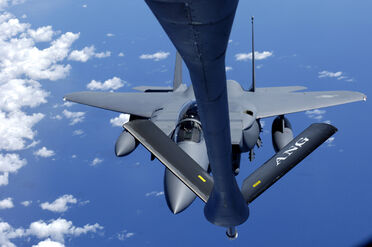 F-15K re-fuel from a KC-135