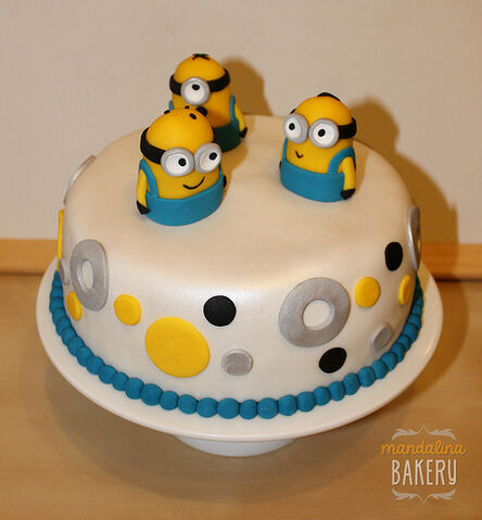 File:Despicable Me Minions Birthday Cake for Simon 2.jpg
