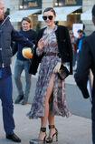 57f536be24045 Photos-Miranda-Kerr-s-offre-un-shooting-pour-Vuitton-sur-la-plus-luxueuse-place-de-Paris portrait w674(7).jpg.62e83cfe24e09175c7d5df74c6132380