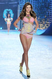 Victorias-secret-fashion-show-tv-fash-2-325