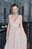 Miranda-kerr-attends-the-koradior-show-during-milan-fashion-week-on-picture-id610522578