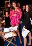 Miranda-kerr-2011-victoria-s-secret-fashion-show-04