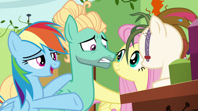 "File:Rainbow singing ""the next one will appear"" S6E11.png"