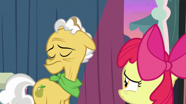File:Grand Pear looks away from Apple Bloom S7E13.png