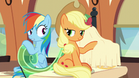 Rainbow Dash looking at Applejack S6E1