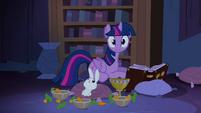 Twilight hearing noises S04E03