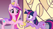 Cadance holds Twilight's hoof S4E26
