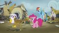 Gilda waves goodbye to Pinkie and Rainbow S5E8.png