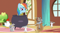 Rainbow Dash in a tight spot S3E13