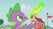 Spike sends a letter to Princess Celestia S5E18
