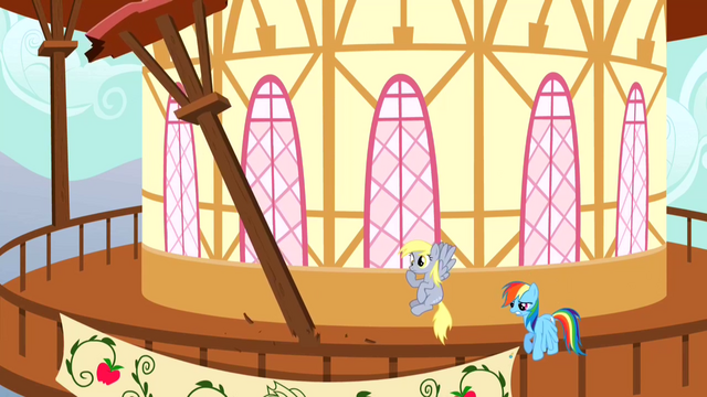 File:Derpy Hooves Column S2E14.png