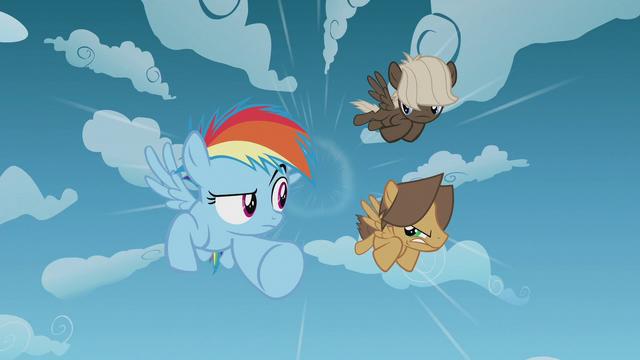 File:Rainbow Dash and bullies race through the sky S5E25.png