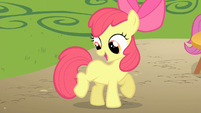 Apple Bloom cutie mark look S1E18