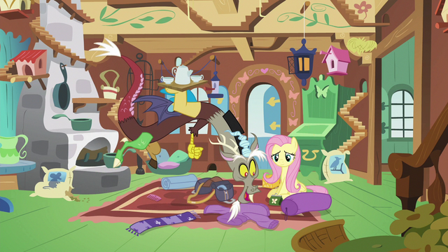 File:Discord sees Fluttershy packing a bag S6E17.png
