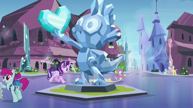 File:Starlight and Spike pass by Spike's statue S6E1.png