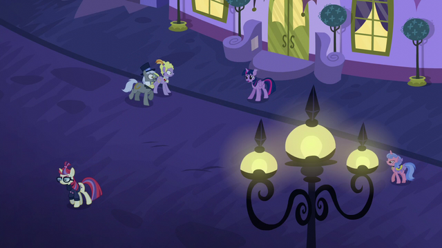 File:Twilight calling out to Moon Dancer S5E12.png