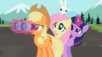 Applejack looking for Rainbow Dash S02E07