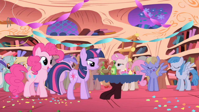 File:Twilight getting a drink S1E01.png