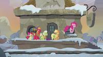 Pinkie and Apple family follow Maud S5E20
