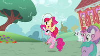Apple Bloom skipping with Pinkie Pie S2E18