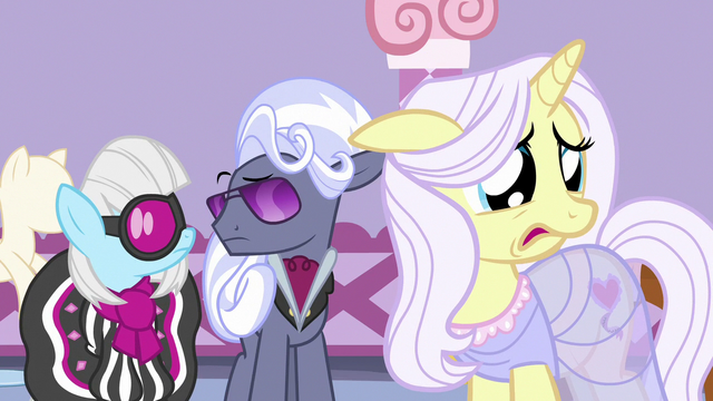File:Lily Lace very discouraged by Applejack's words S7E9.png