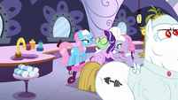 Starlight getting pampered at the spa S6E6