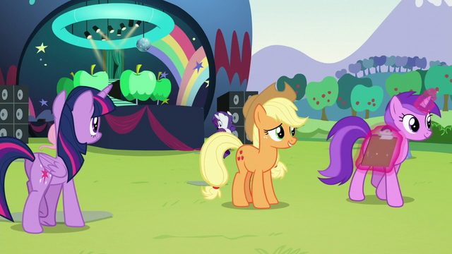 File:Applejack sees Amethyst Star walking away with clipboard S5E24.png