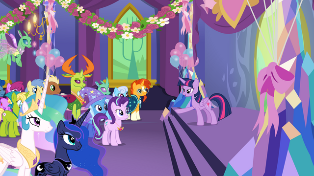 File:Princess Twilight addressing party guests S7E1.png