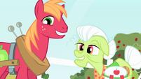 Big Mac and Granny Smith nodding heads S4E17