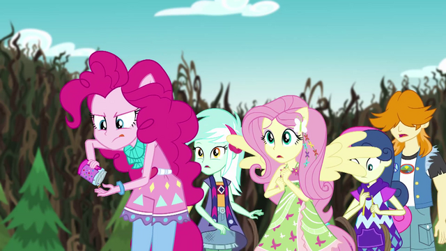 File:Pinkie Pie readying another handful of sprinkles EG4.png