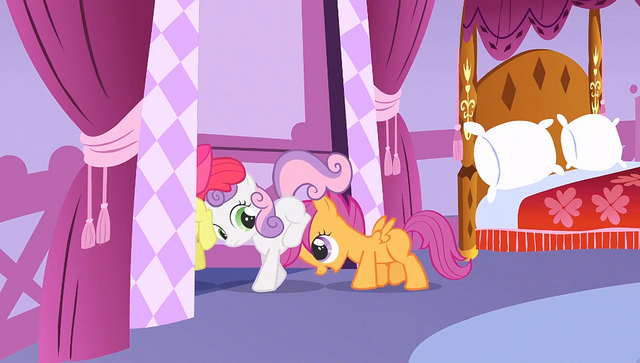 File:Scootaloo pushing her friends S1E23.png