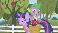 Twilight frowning S01E03