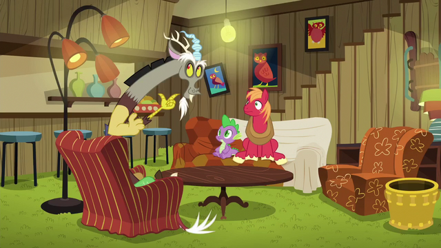 File:Discord creates a game-playing room S6E17.png