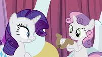 Sweetie Belle replaces levers with steering wheel S6E14
