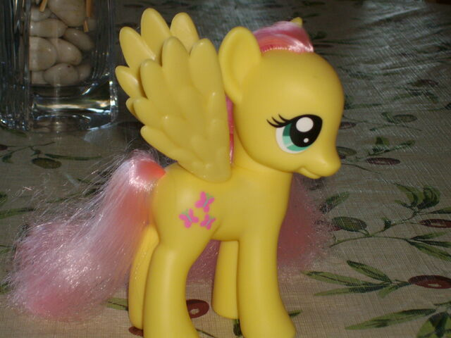 File:Fashion style Fluttershy Toy.jpg