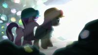 Starlight and Maud walk toward a bright light S7E4