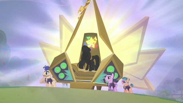 File:Coloratura stands up S5E24.png