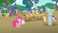 Pinkie Pie shocked by changed party S4E23