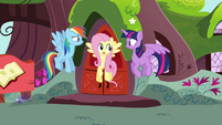 Rainbow, Fluttershy and Twilight fly down S4E21