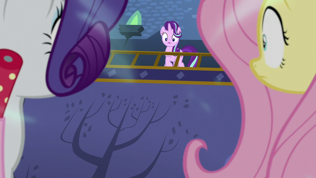 File:Starlight sees her friends in a trance S6E21.png