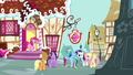 Pinkie Pie at the door S4E18.png