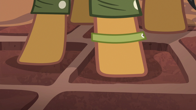 File:Quibble Pants steps on another pressure plate S6E13.png