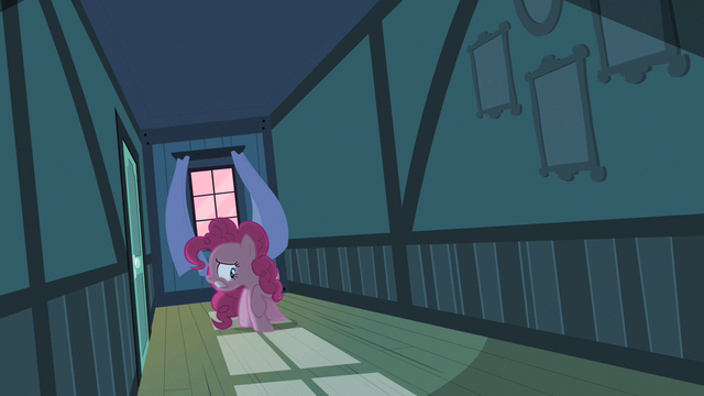 File:Pinkie Pie more scary things S2E13.png